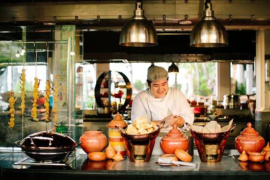 Riverside Terrace: Live Cooking Station