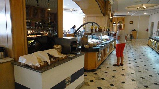 Hotel Palace Royal Garden: Завтрак, хлеб