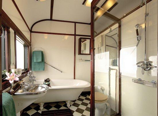 Rovos Rail: Royal suite bathroom