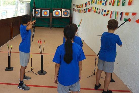 Flying Arrow Archery Range Restaurant & Bar: Lessons for Students