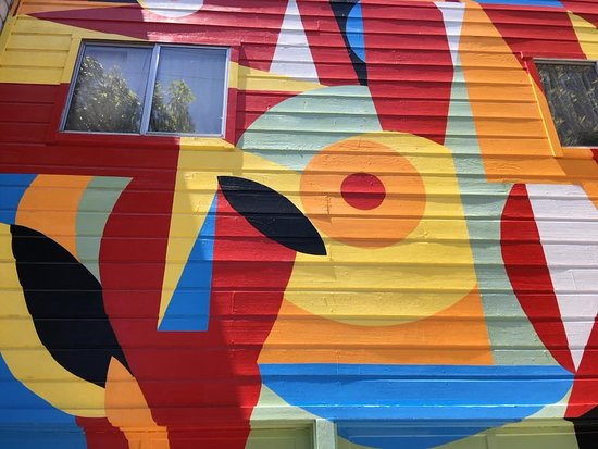 Mission Trail Mural Walks: Even the houses can be great