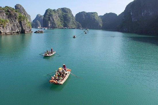 Sails of Indochina: Dragon Bay Cruises - Indochine Junk