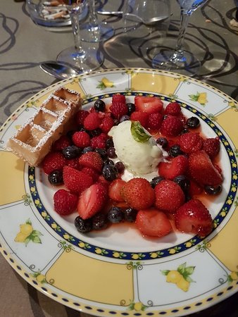 Montfort-en-Chalosse, فرنسا: Délicieux repas, cadre magnifique. A  chaque passage, c est un réel  plaisir.