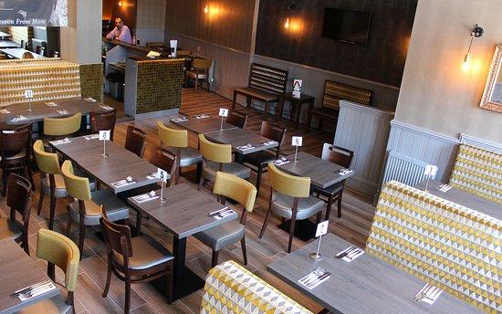 RAZIAS Authentic Indian Restaurant