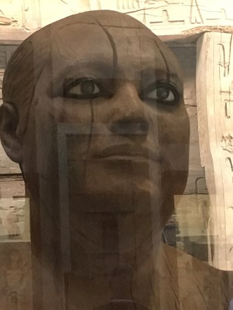 Private tour to Giza Pyramids , Sphinx and Egyptian Museum: Amazing eyes