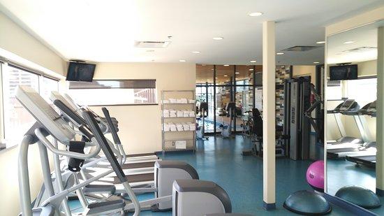 Le Square Phillips Hotel & Suites: Salle de conditionnement physique