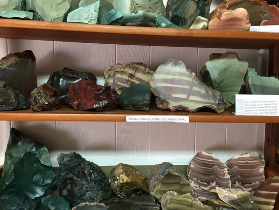 Petra Stone Collection: Petra's Stone Collection