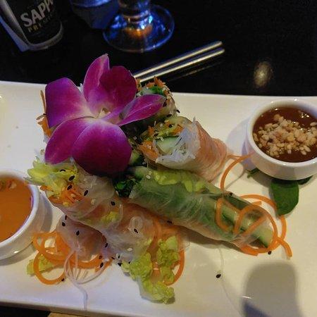 Midori Sushi and Martini Lounge Photo