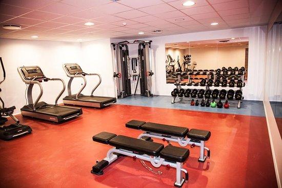 B59 Hotel: Gym