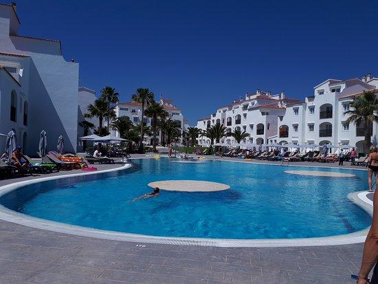 Carema Beach Menorca: piscina2