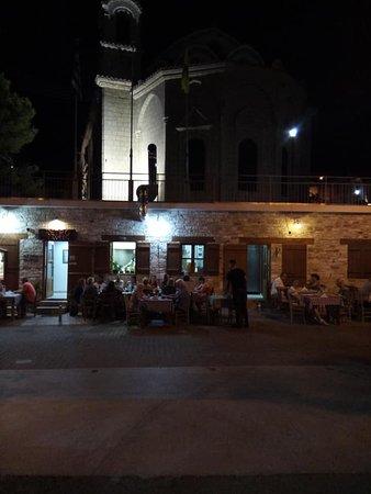 Retro Tavern: romantic evening !