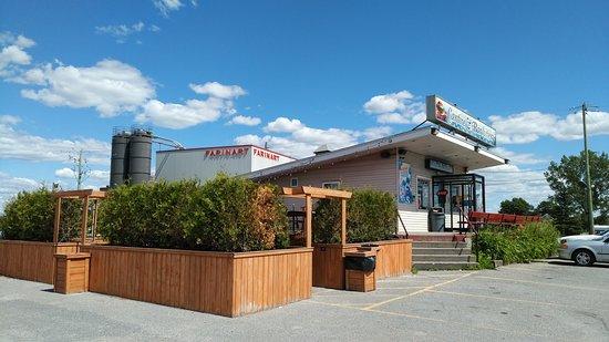 Saint Liboire, كندا: Vue extérieure de la façade du restaurant.