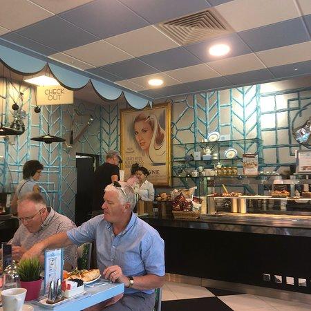 Newbridge Silverware Visitor Center: Lovely cafè