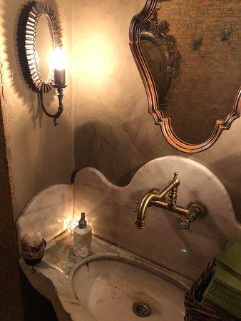 Elarji Restaurant: toiletterne
