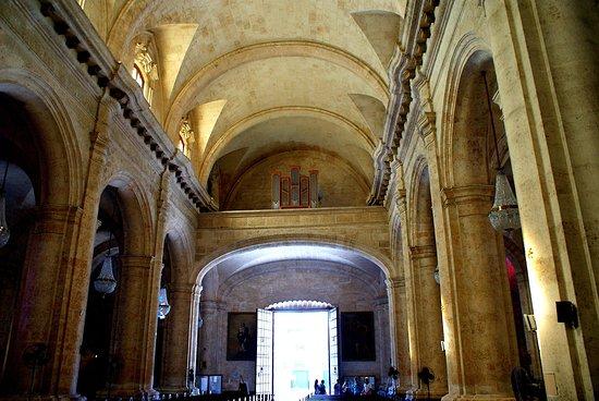 Havana Cathedral: Vue de la nef