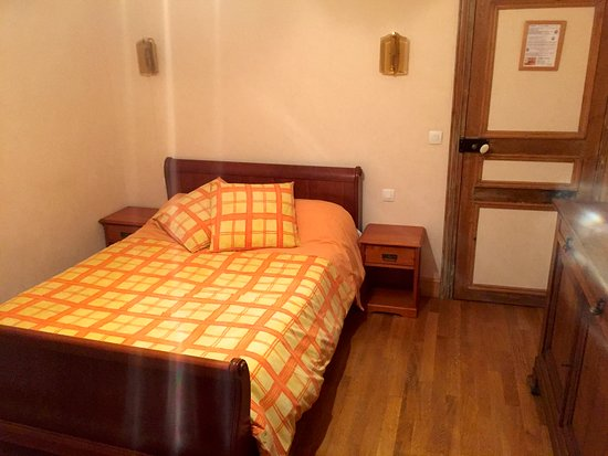 Verberie, Frankrike: A Queen size bed, very comfortable