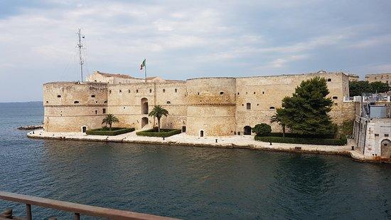 Castello Aragonese: 20180627_093251_large.jpg