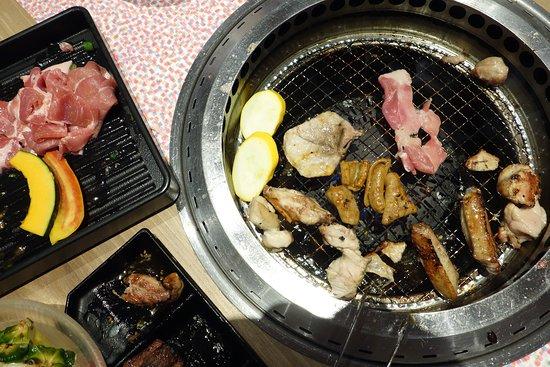 Yakiniku No Ganaha Shinkan: Grill