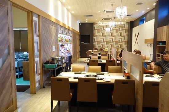 Yakiniku No Ganaha Shinkan: Interior decoration