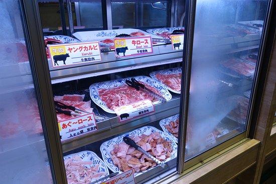 Yakiniku No Ganaha Shinkan: Meat cupboard