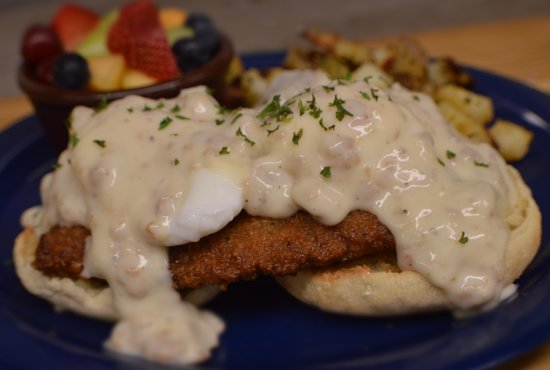 Persy's Place: Country Fried Steak Country Benedict