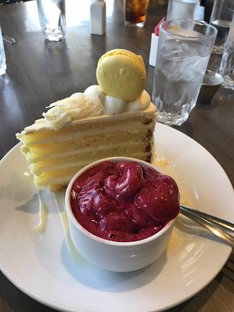 Dockside Restaurant: The limoncello, white chocolate gateau with (huckleberry, I think) sorbet