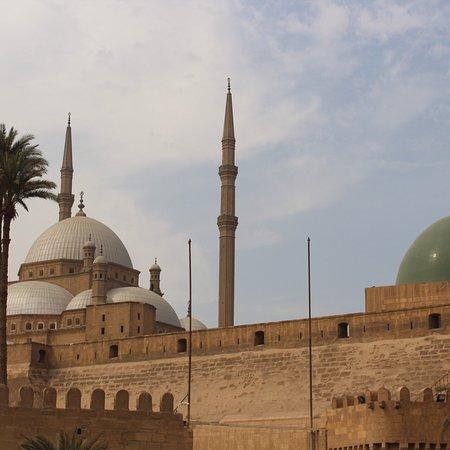 Mohamed Ali Mosque: Fuimos en febrero, no estaba muy concurrido de gente por lo tanto pudimos disfrutar mucho de la