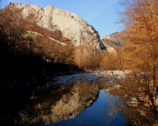 Tour4Fun: River Chepelarska near Chepelare