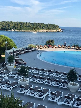 Park Plaza Histria Pula: Pool from the terrace