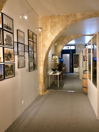 Musée de l'Histoire Maritime de Bordeaux: Vue de l'intérieur du musée