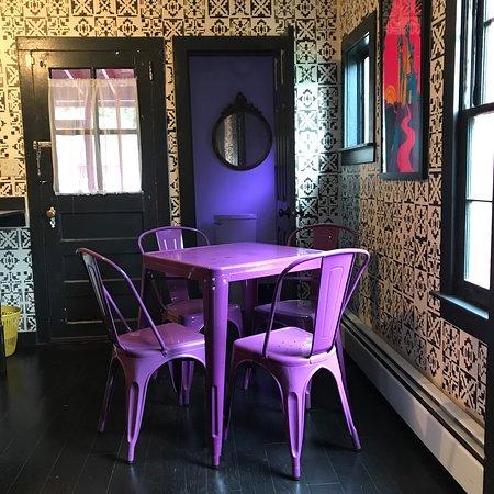 The White Dove Rockotel: Dining area
