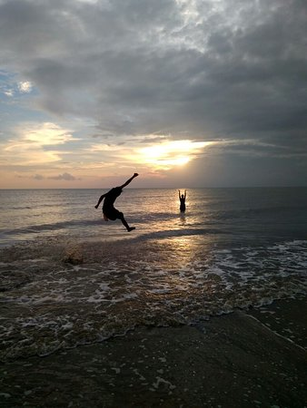 Pagatan Beach: Pantai Pagatan