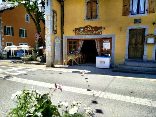 La Carline: Extérieur du restaurant