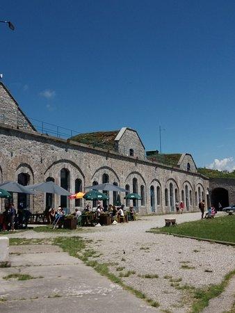 Le Sappey-en-Chartreuse, France: Superbe endroit ! Belle ballade à faire aux alentours et la vue sur Grenoble et sa région est ma