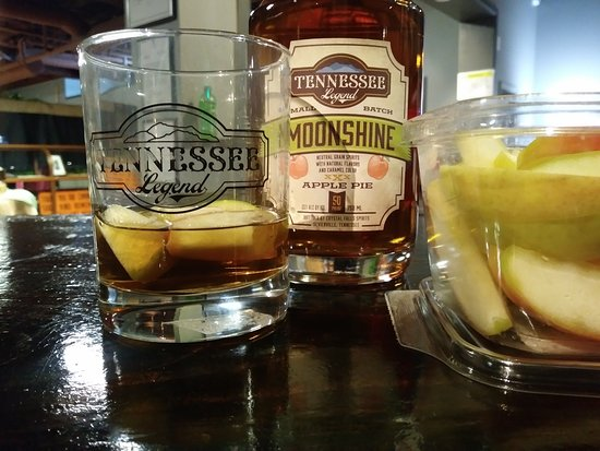 Cookeville, TN: Fresh apple slices with our apple pie shine.... match made in heaven!
