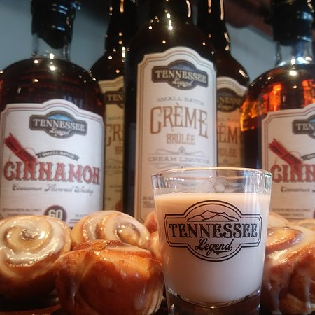 Cookeville, TN: Who doesn't love liquid cinnamon rolls with REAL cinnamon rolls!