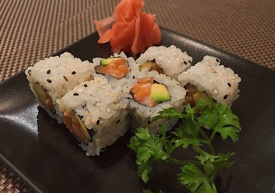 Sakura Japanese Restaurant: California Salmon Roll