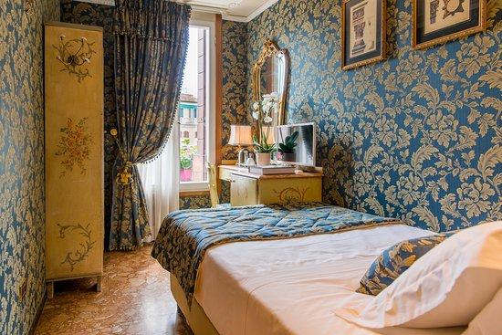 Hotel Santo Stefano: Camera Singola con Bagno Privato Esterno