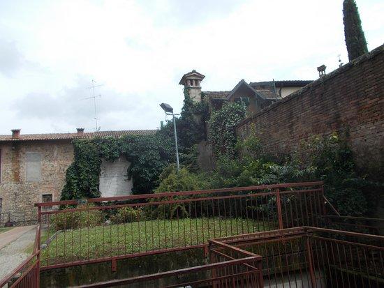 Montecchio Emilia, Italien: l'esterno al castello