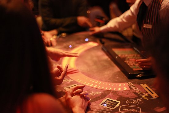 Enjoy Casino Mendoza: Mesas de poker.