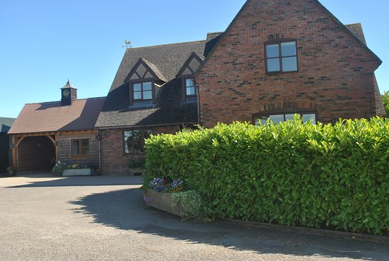 Winchcombe, Cotswolds , Elms Farm Bed and Breakfast