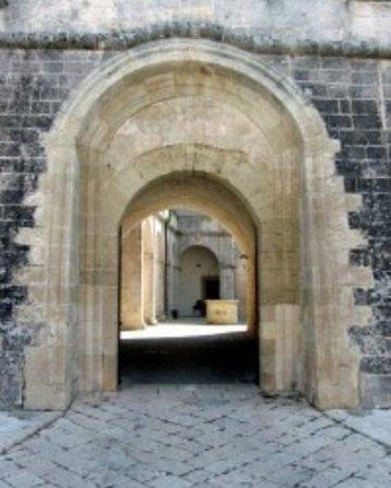Biocaffetteria Porta d'Oriente: ingresso del castello
