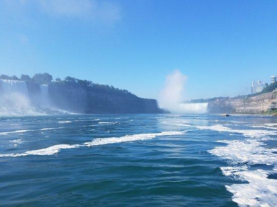 Valokuva: Hornblower Niagara Cruises