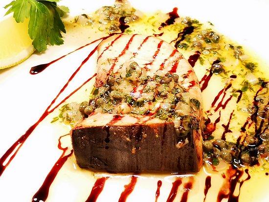 Blue Harbour Seafood Restaurant: Swordfish