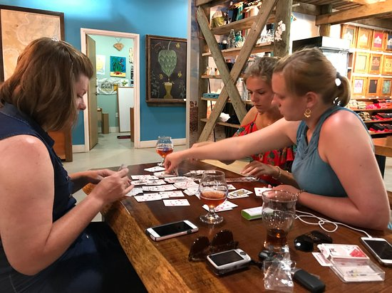 Low Tide Brewing: Playing cards while drinking