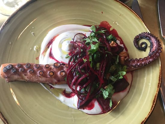Roster Turku: Mrs Pulpo - octopus, beetroot with sweet chilly , koriander and nut puree (where was it?)