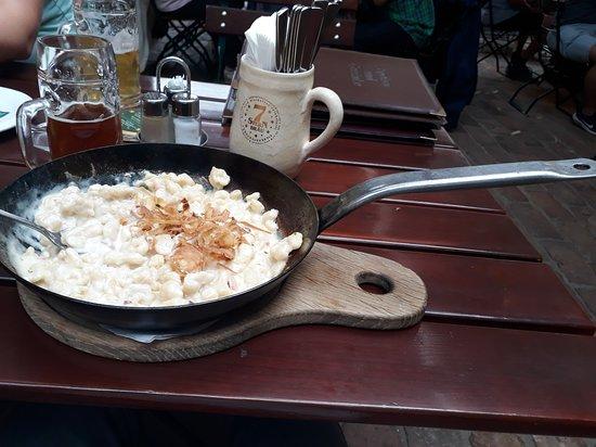 Bischofsgrun, Germany: Infelizmente não me lembro o nome do prato. Mas é tipo um nhoque