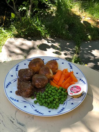 Gekkens Restaurant: Old family recipe and also one of our bestsellers! Homemade Norwegian meatballs.