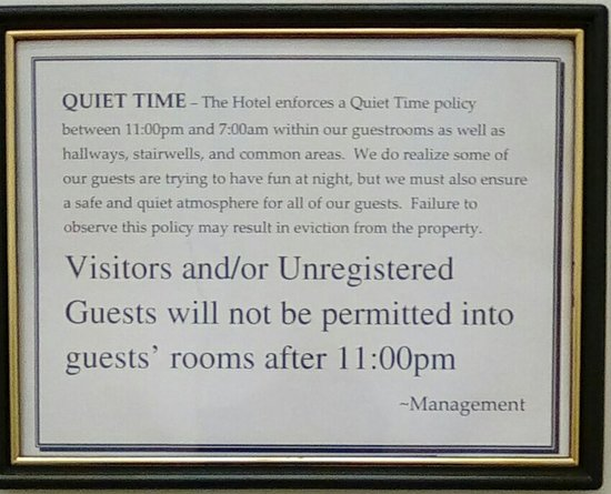 Capital City Center Hotel: Best practices: Posted at/in the elevator. Set the tone for a great hotel experience.