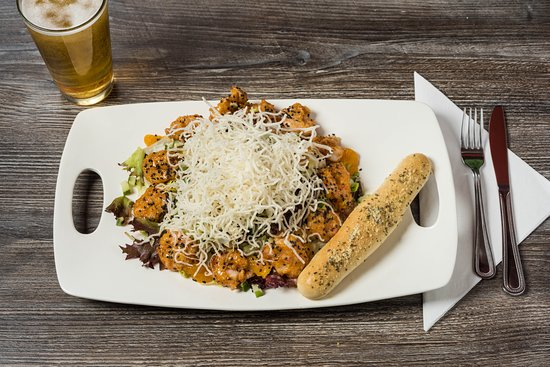 Mulligan's Beach House Bar and Grill: Asian Dragon Salad